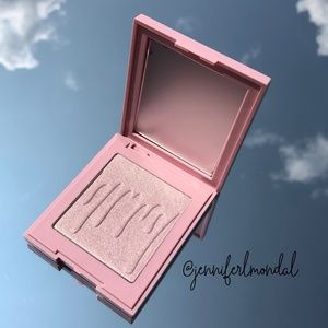"""😍LOWEST NWT """"Princess Please"""" Kylighter by Kylie"""